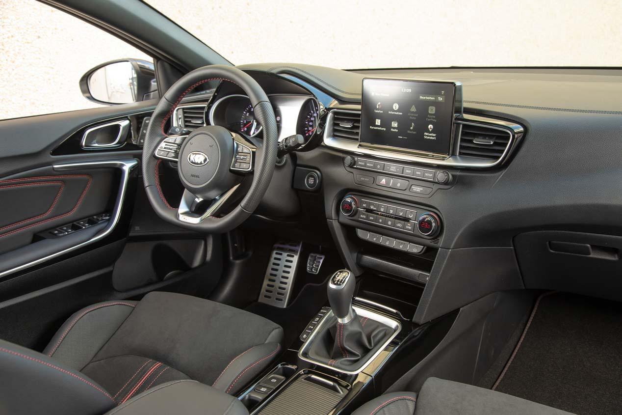 Kia Ceed GT: conducimos en circuito el deportivo compacto de Kia