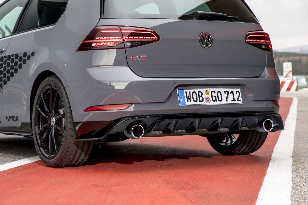 a prueba el volkswagen golf gti tcr 2019 alma de ganador. Black Bedroom Furniture Sets. Home Design Ideas