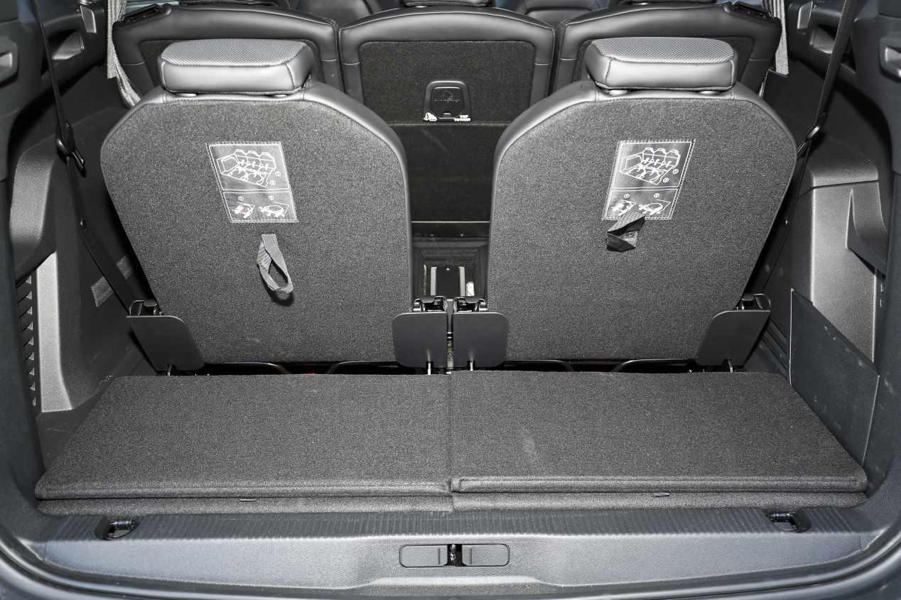 Comparativa: Nissan X-Trail dCi vs Peugeot 5008 BlueHDi