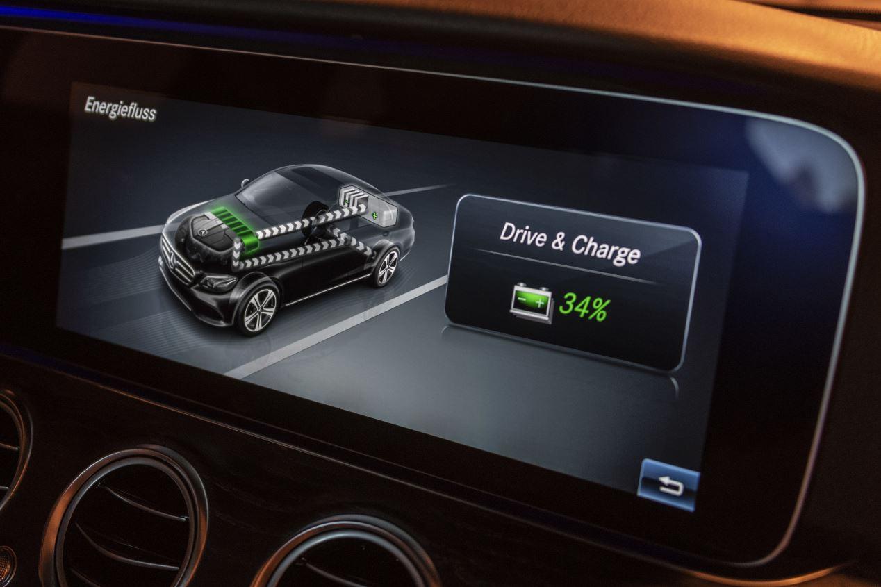 Mercedes Clase E 300 e: la nueva berlina híbrida enchufable