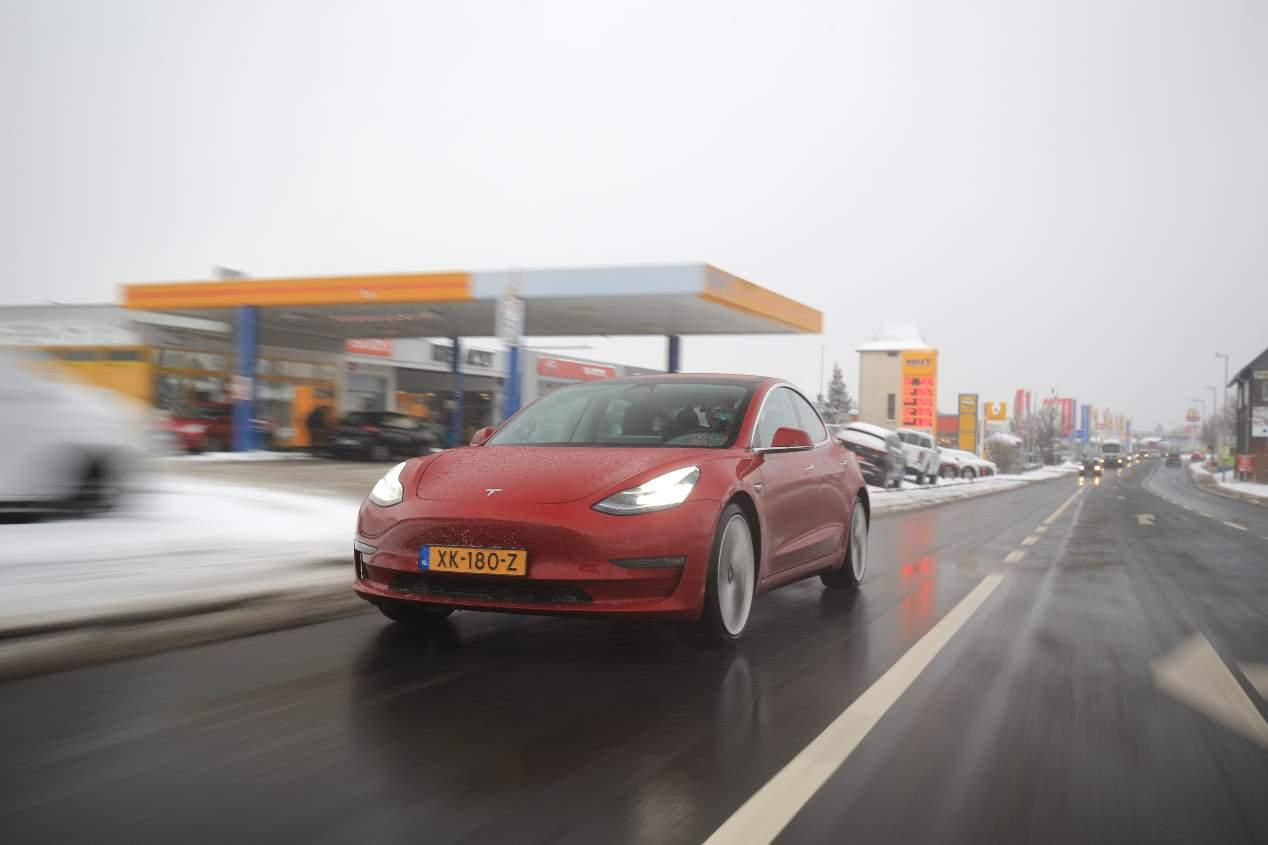 Nuestra prueba a bordo del Tesla Model 3, en imágenes