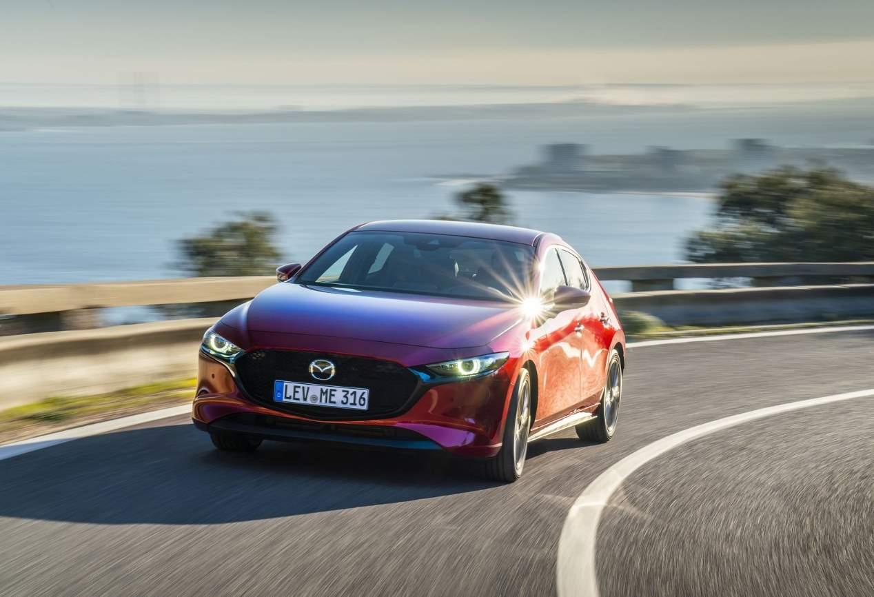 Mazda3 2019: nuevas fotos en movimiento y detalles del nuevo compacto