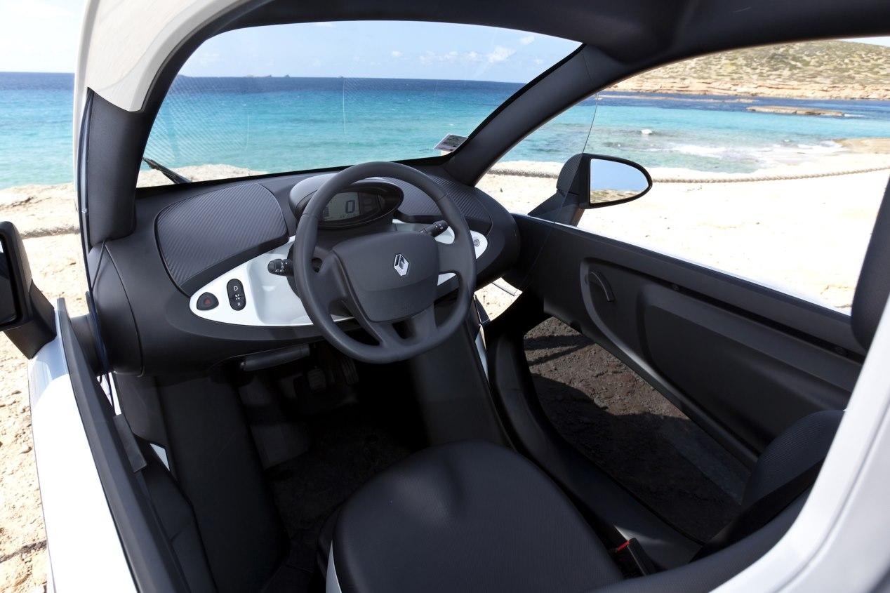 Seat Minimó vs Renault Twizy: duelo de conceptos urbanos, en imágenes