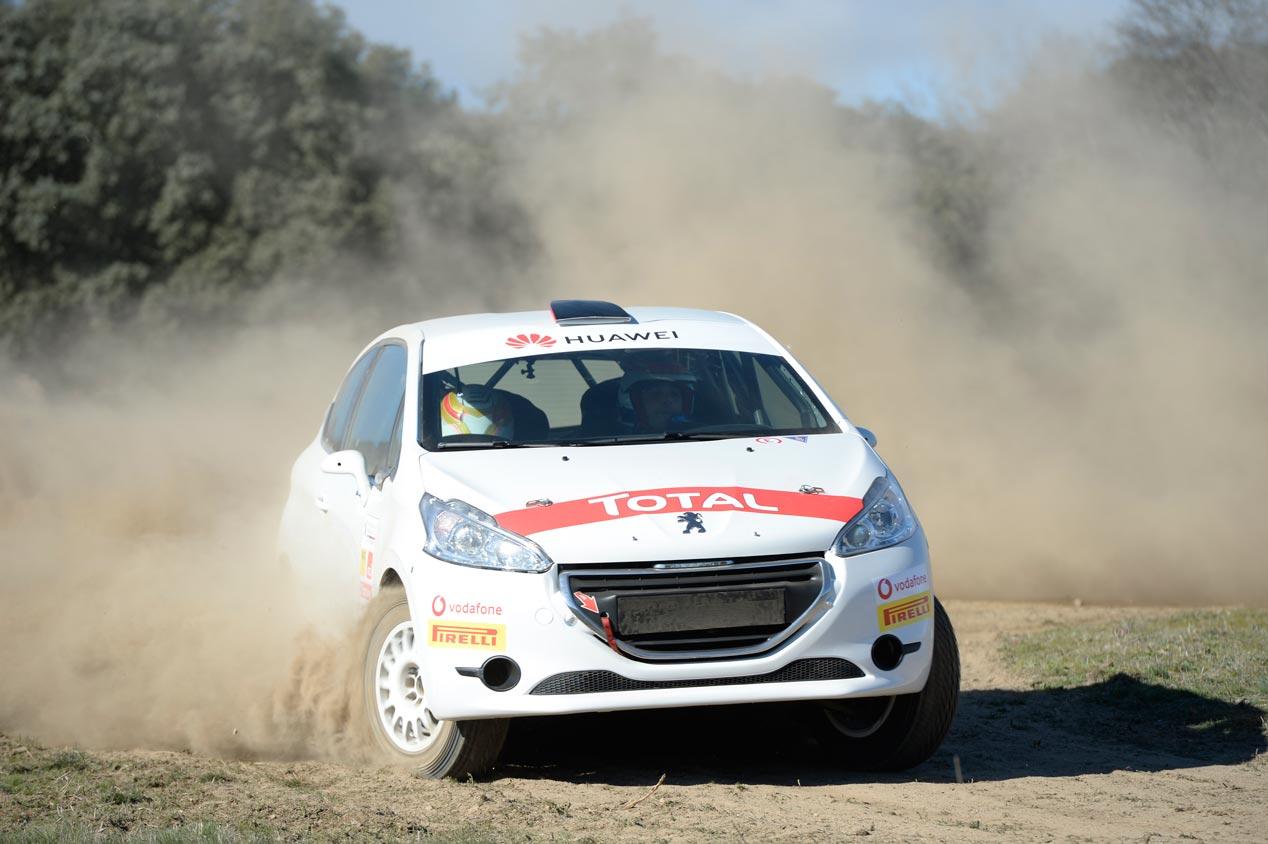 peugeot-208-r2-rallyes-prueba-fotos