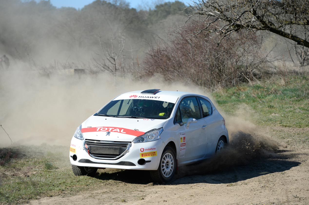 Probamos el Peugeot 208 R2 de rallyes