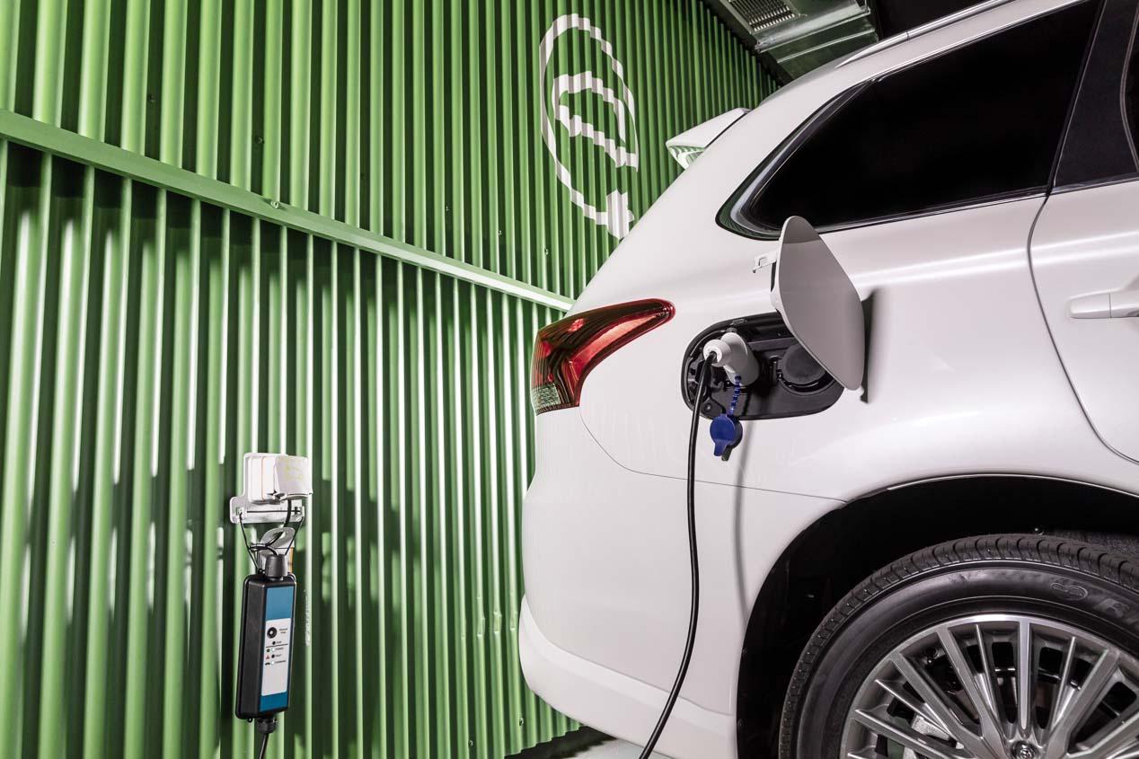 Coches eléctricos e híbridos: las ventas en Europa suben