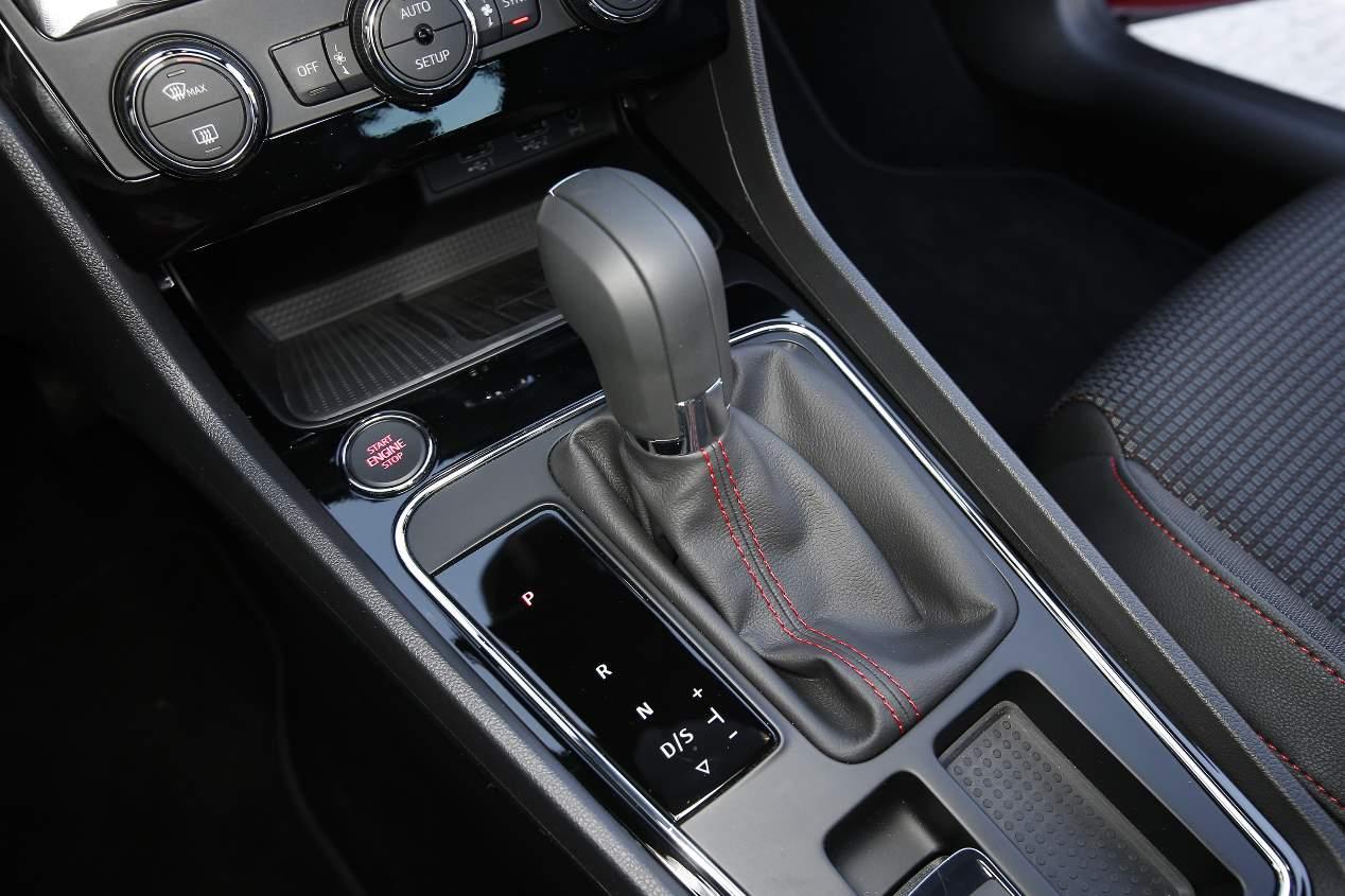 El Seat León 1.5 TGi Evo GNC 2019 de gas, en fotos