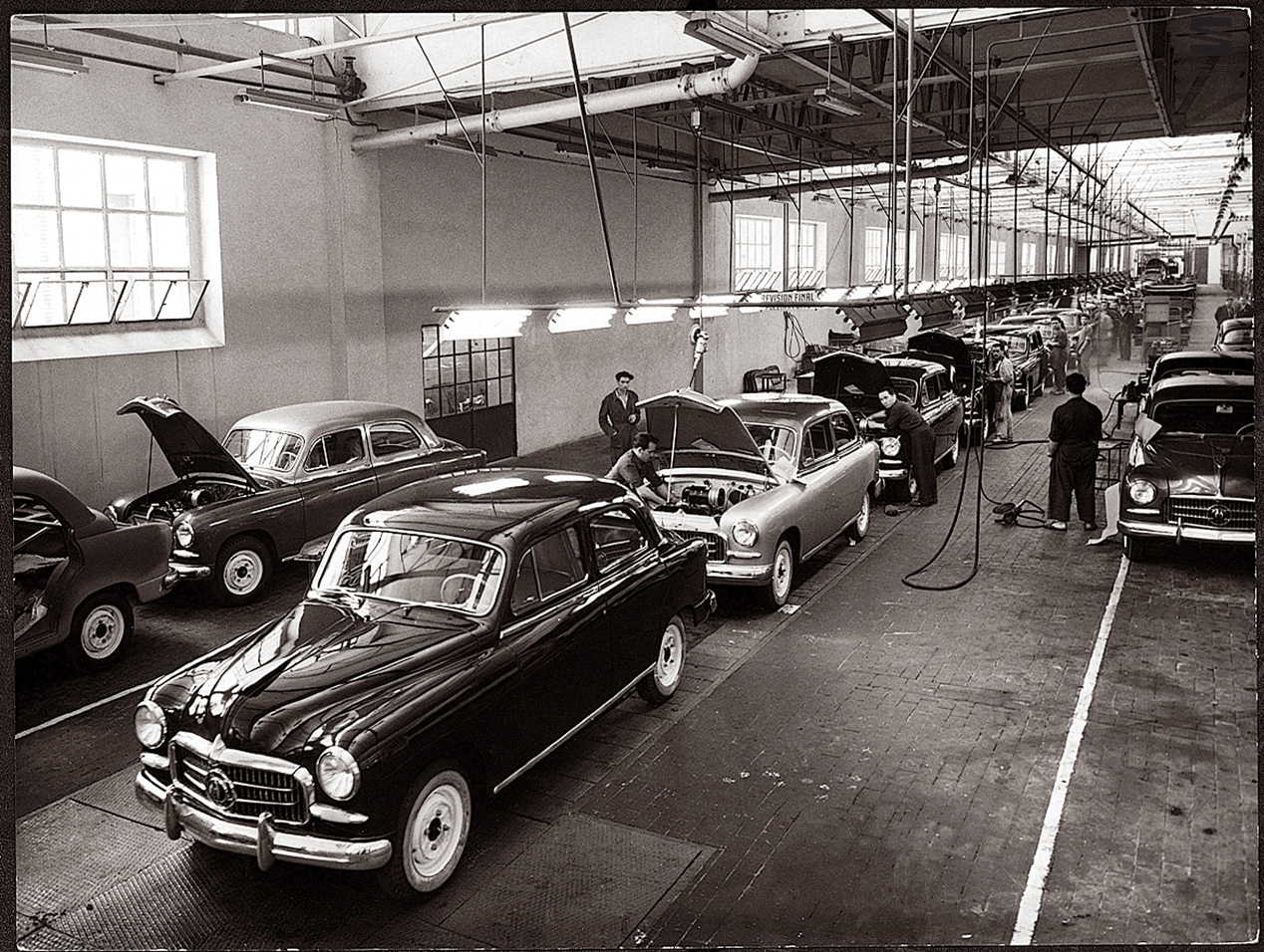 50 años de historia en Seat: así se fabricaban y fabrican sus coches