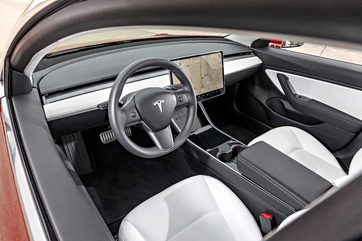 Comparativa de eléctricos: Tesla Model 3 vs Hyundai Kona EV