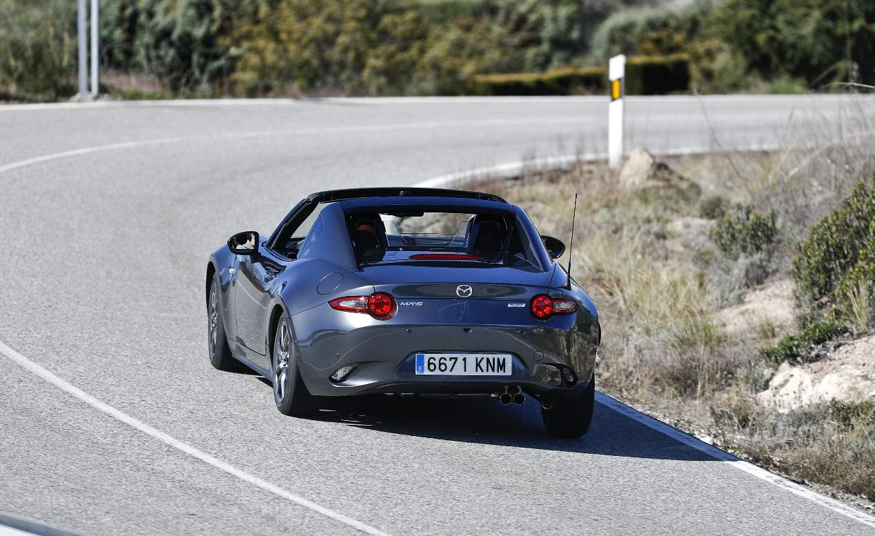 comparativa-mazda-mx-5-vs-suzuki-swift-sport