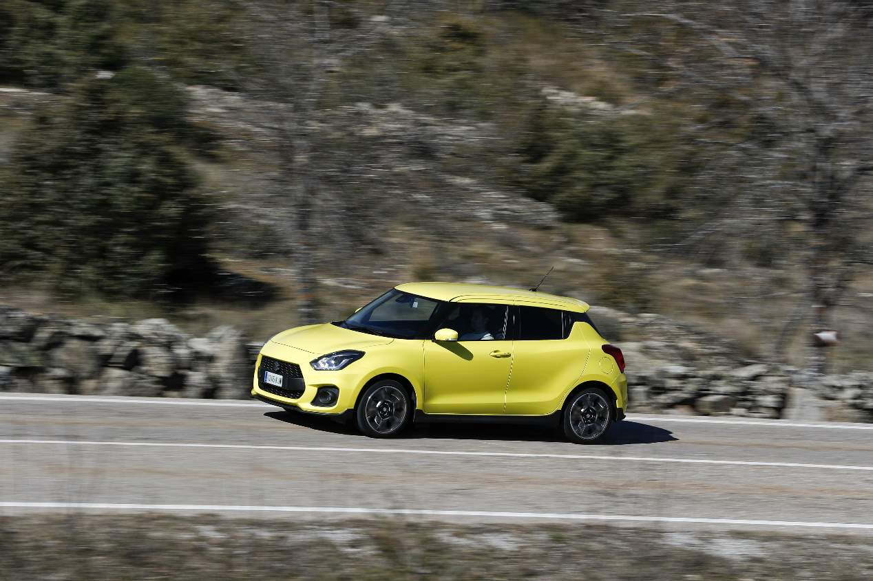 Comparativa Mazda MX-5 vs Suzuki Swift Sport