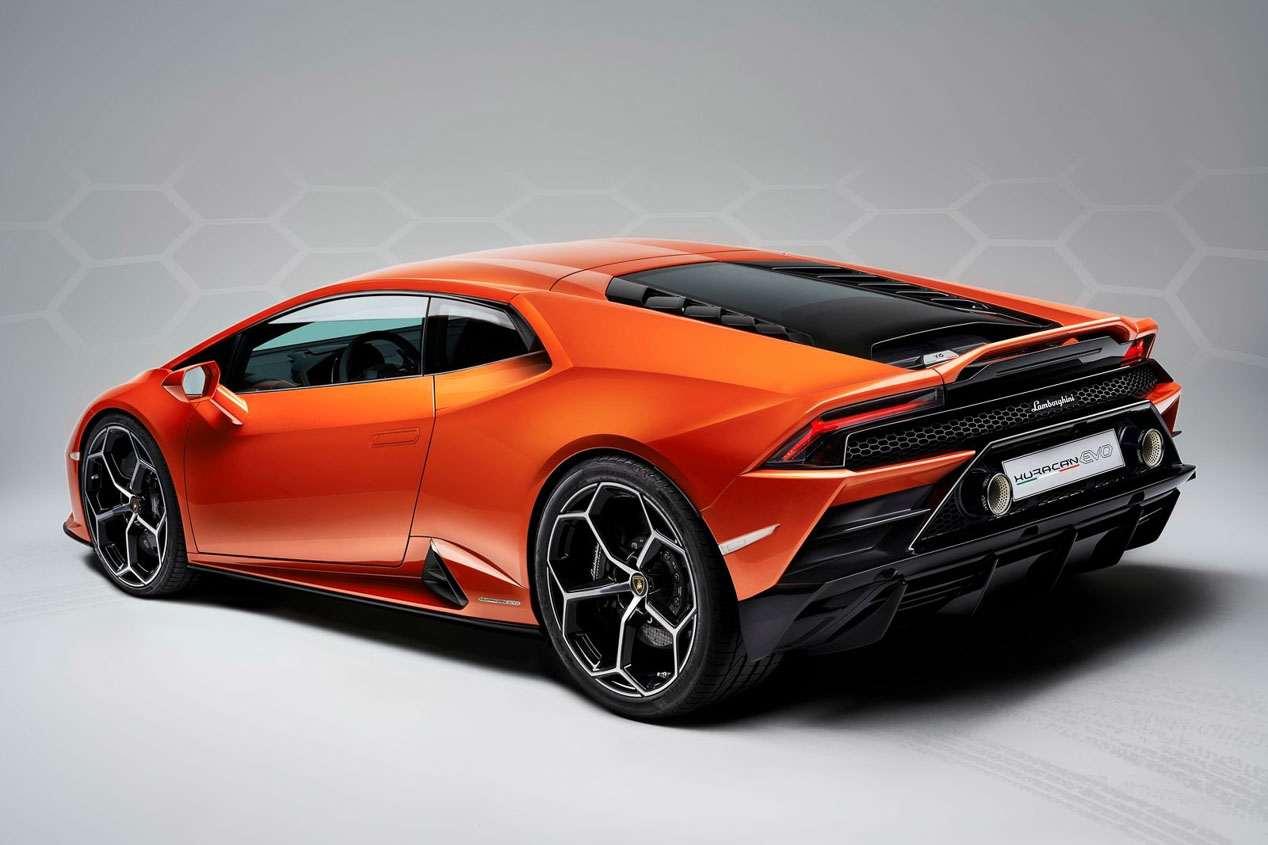 Todo lo nuevo de Porsche, Lamborghini y Bentley, en fotos