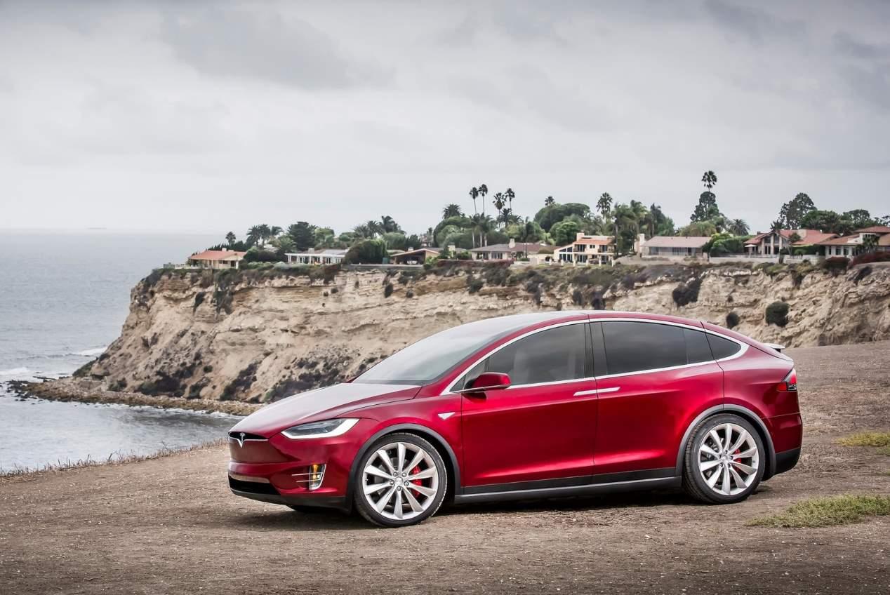Los nuevos Tesla Model S, Model 3 y Model X, en el Automobile de Barcelona 2019
