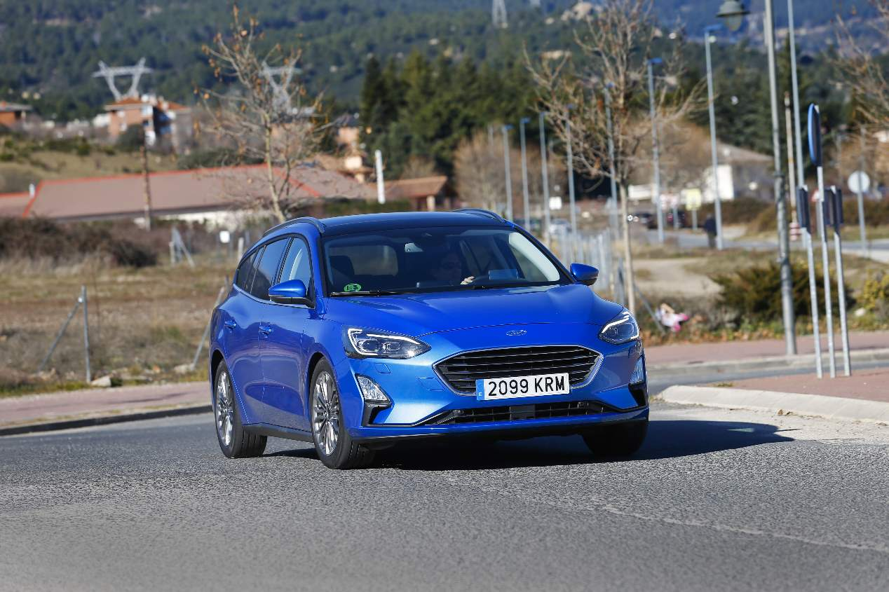 Comparativa: Ford Focus Sportbreak Ecoblue vs Skoda Octavia Combi