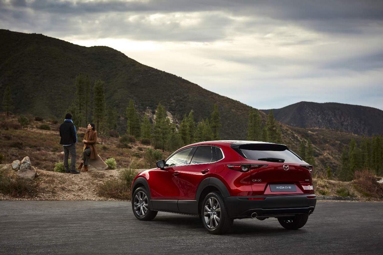 Mazda CX-30 2019: nuevas fotos del SUV que llega en septiembre