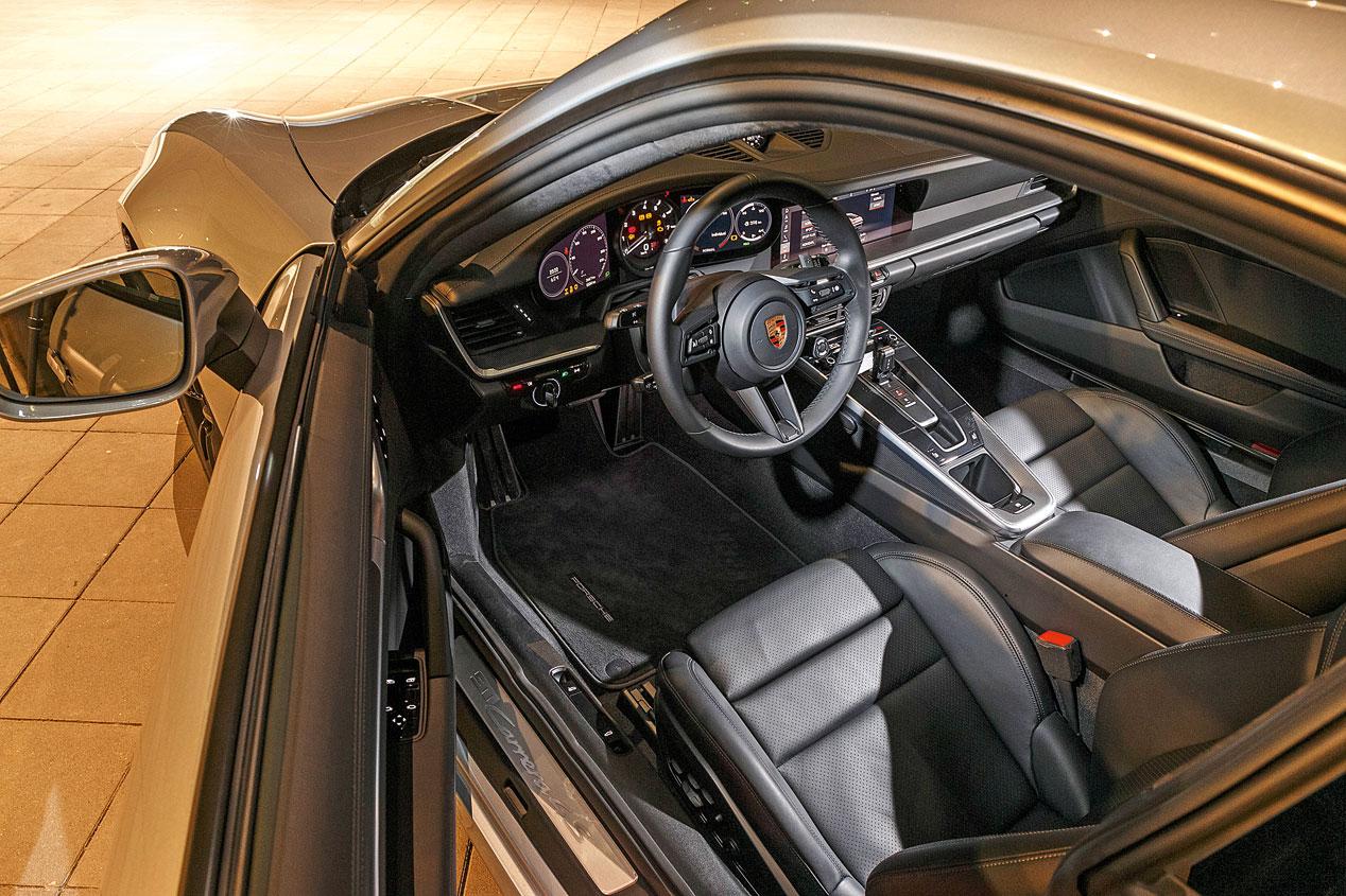 Porsche 911 Carrera 4S, el mito sigue siendo igual de divertido