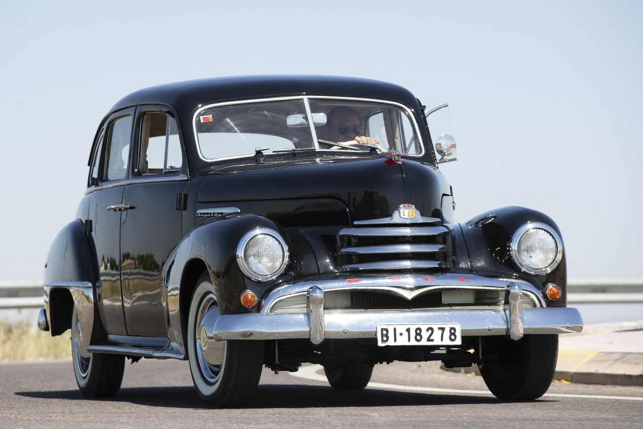 Comparativa: Mercedes Benz 220 vs Opel Kapitän