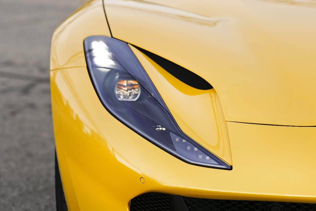 Ferrari 812 Superfast: a prueba el deportivo con motor V12