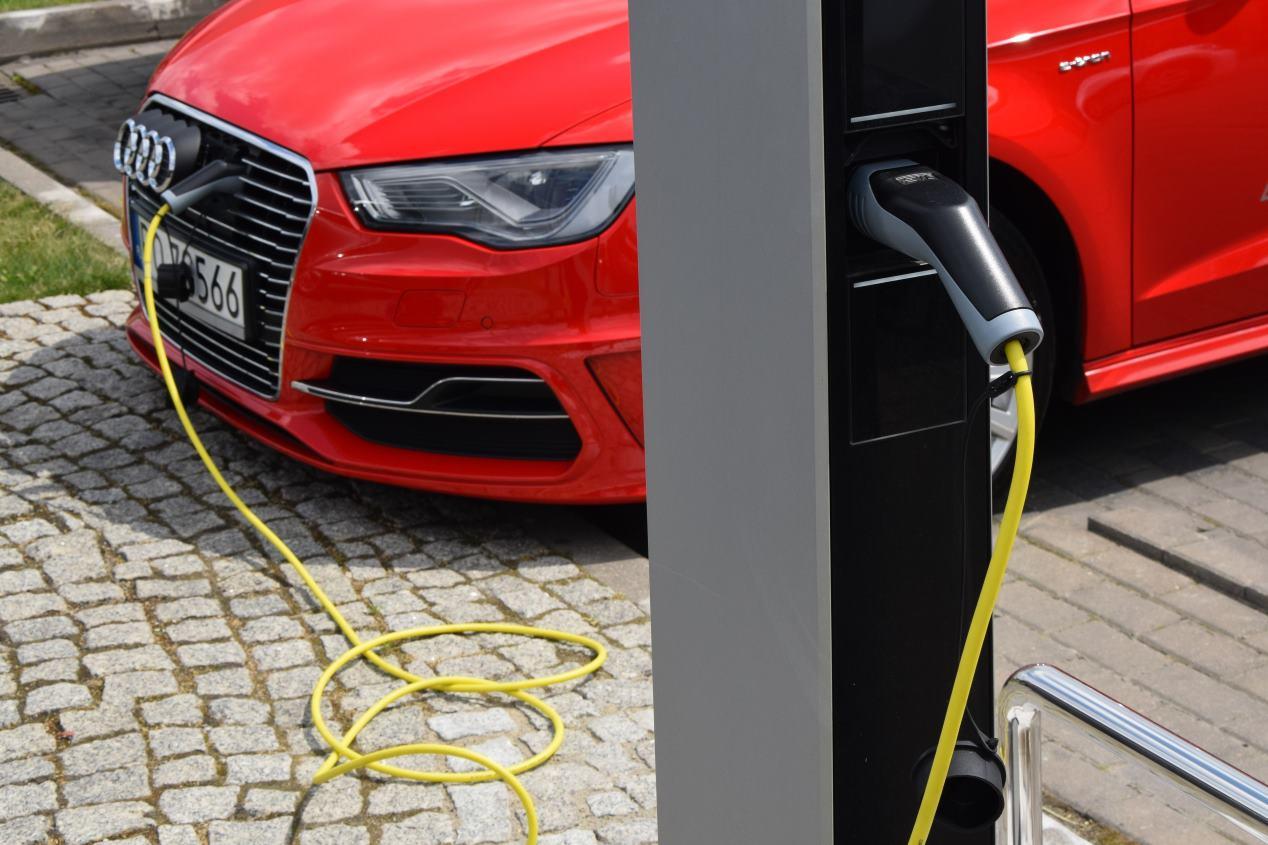 Audi A3 2020 vs BMW Serie 1 2019: duelo de compactos premium