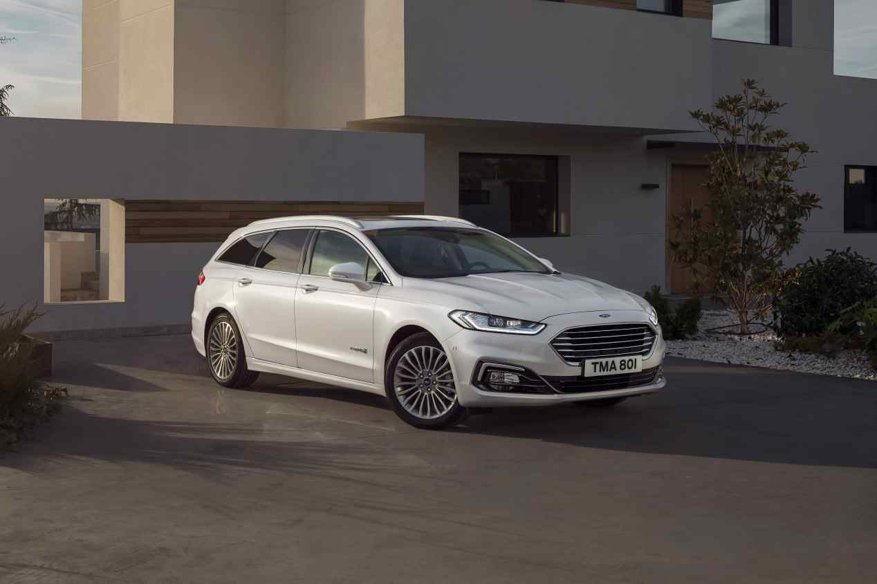 Ford Mondeo vs Skoda Superb: duelo de grandes berlinas