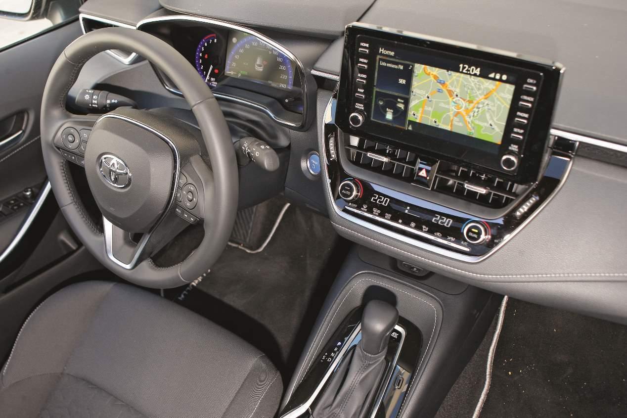 A prueba el Toyota Corolla híbrido en versión familiar