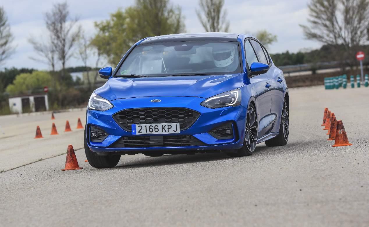 Comparativa: Ford Focus vs Seat León, ¿cuál es mejor?