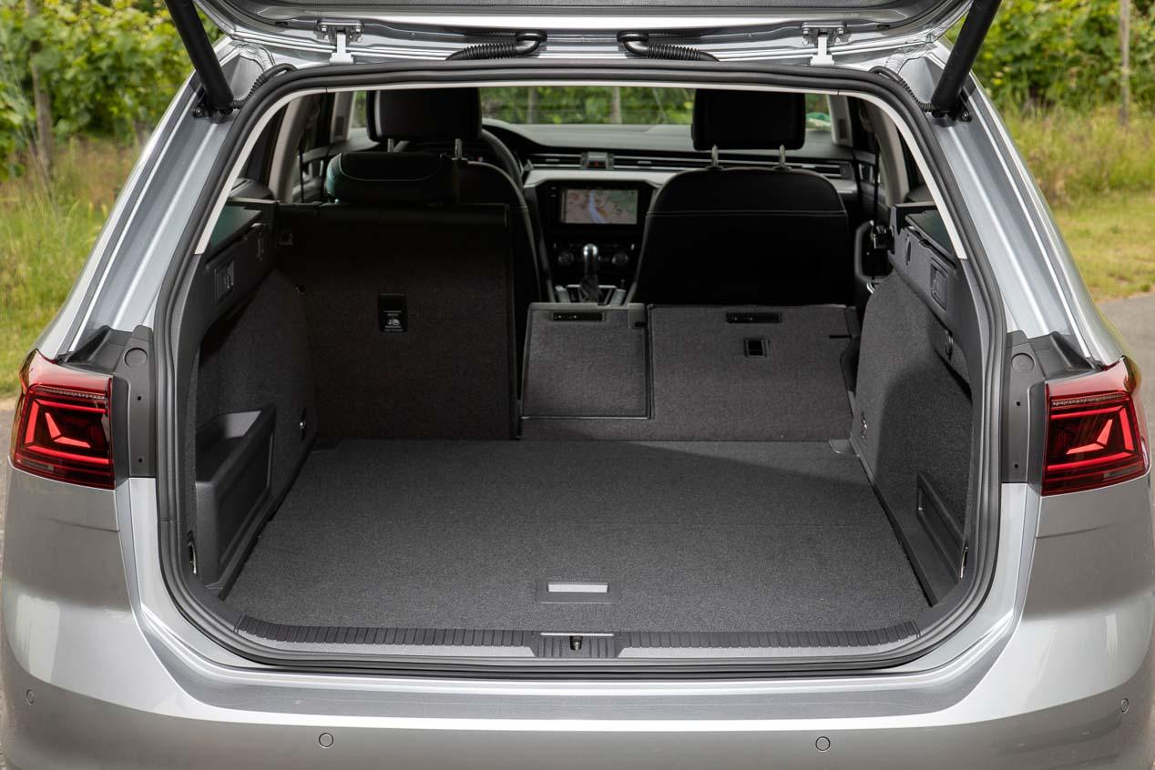 Volkswagen Passat: puerta a la conducción asistida y conectada