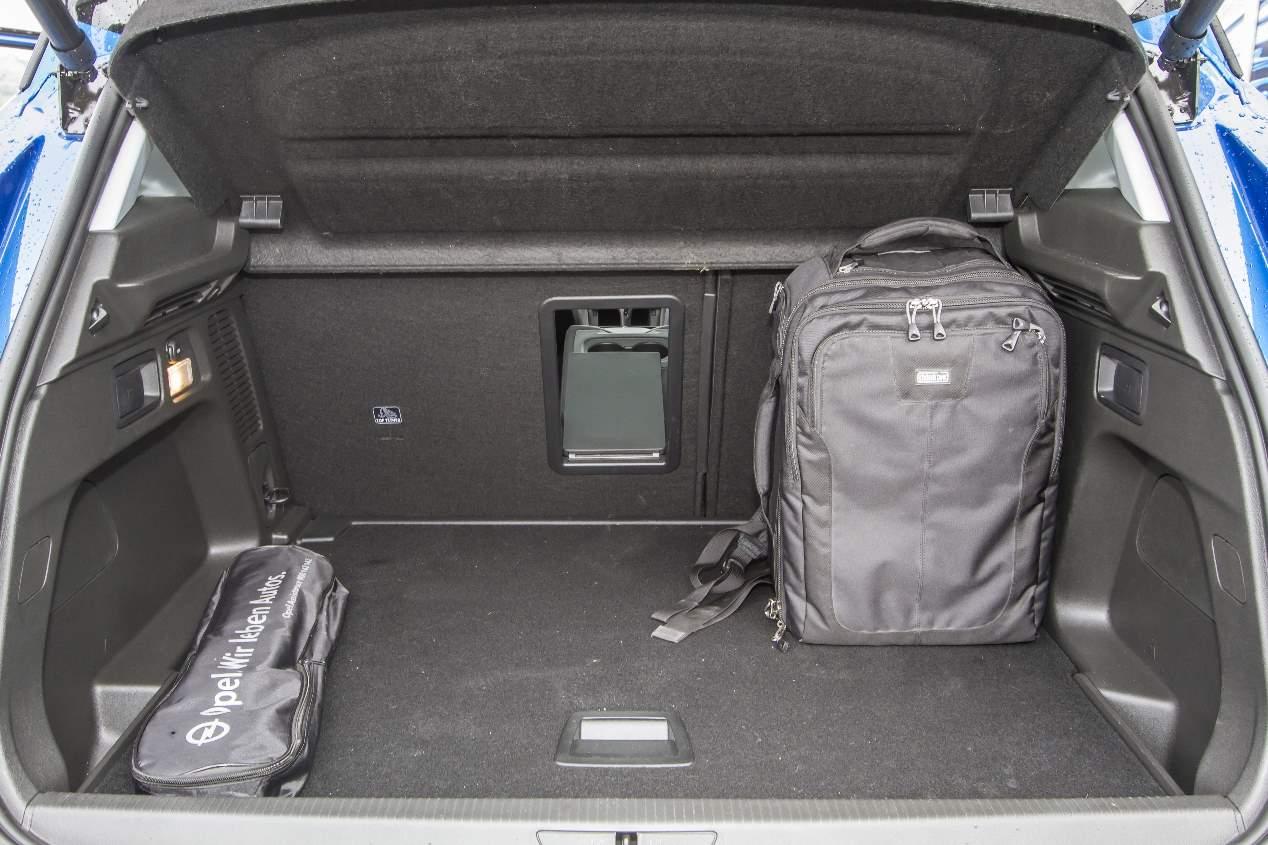 Comparativa SUV: Opel Grandland X, Peugeot 3008 y VW Tiguan