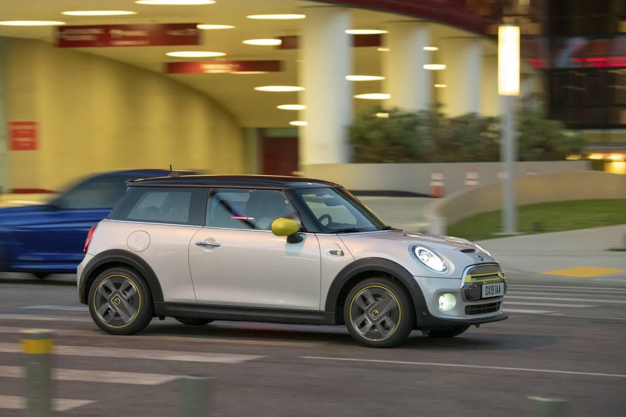 Mini Cooper SE 2020: así es el nuevo utilitario eléctrico