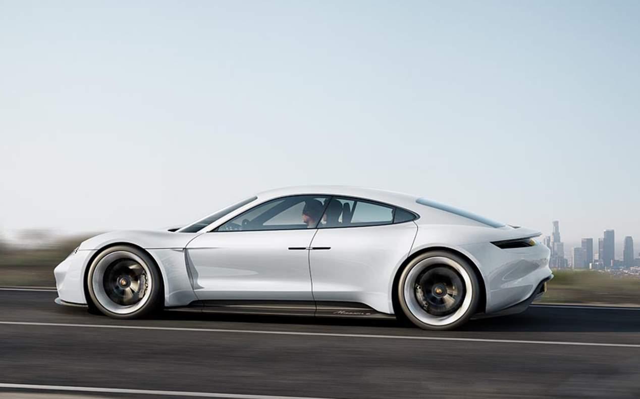 Los mejores coches de 2020: VW Golf, Seat León, Mazda6, Opel Insignia, Ford Puma...
