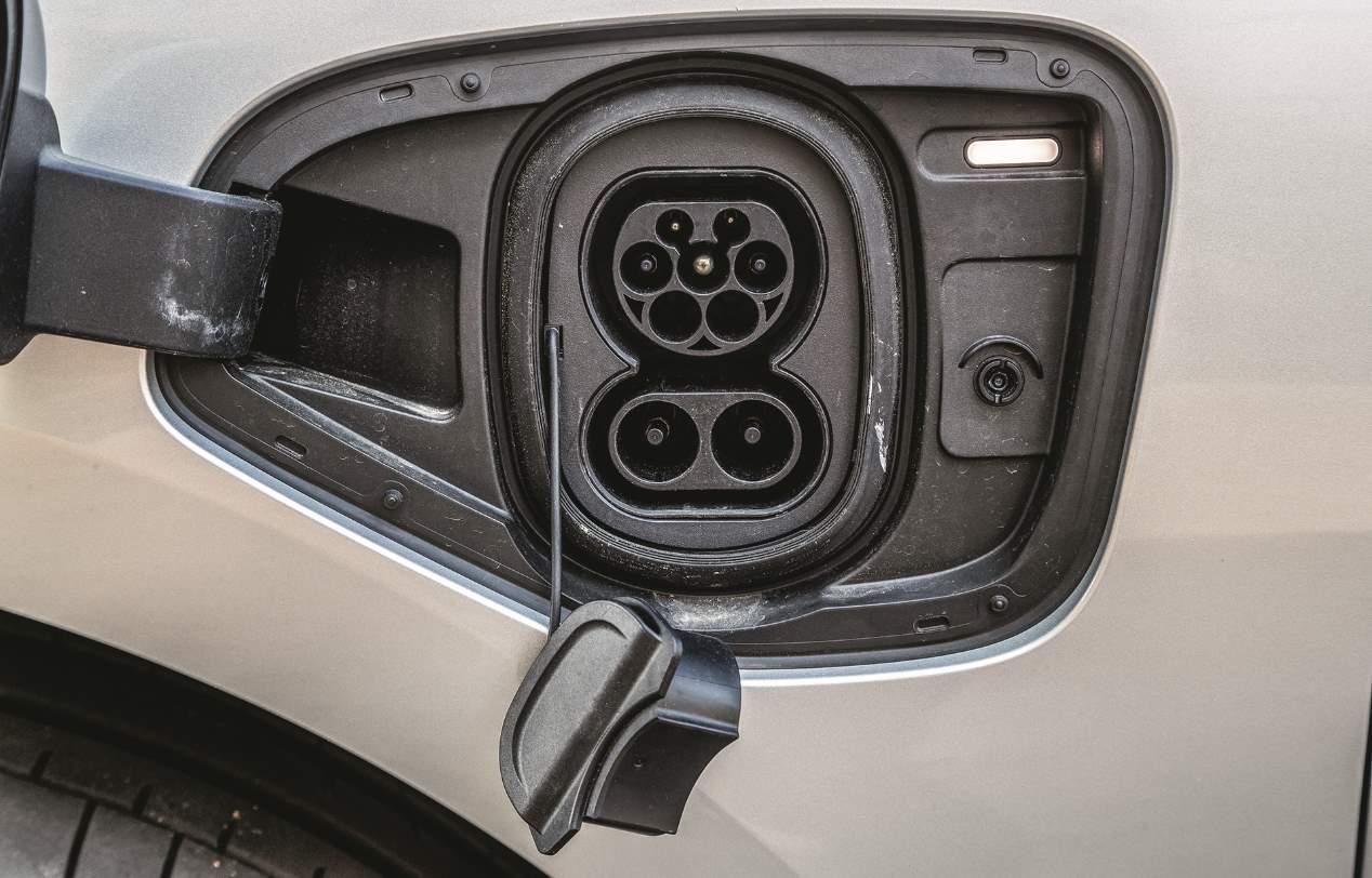 Comparativa SUV: Audi e-tron vs Jaguar i-Pace