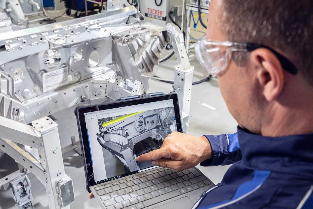 BMW iNEXT: nuevas imágenes del SUV eléctrico que llegará en 2021