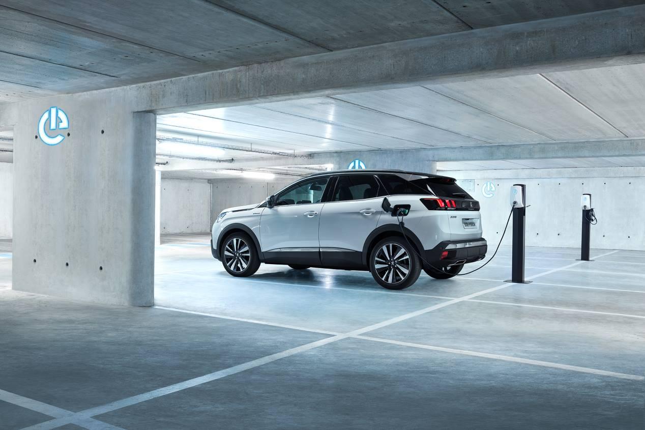 Peugeot 3008 GT Hybrid4: así es el nuevo SUV híbrido enchufable