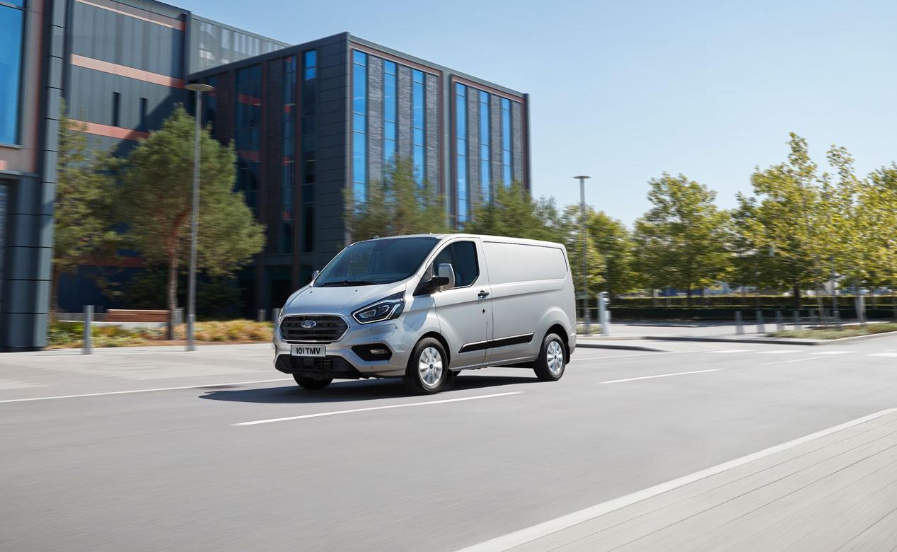 Ford Transit y Tourneo Custom Plug-in Hybrid, sus mejores fotos