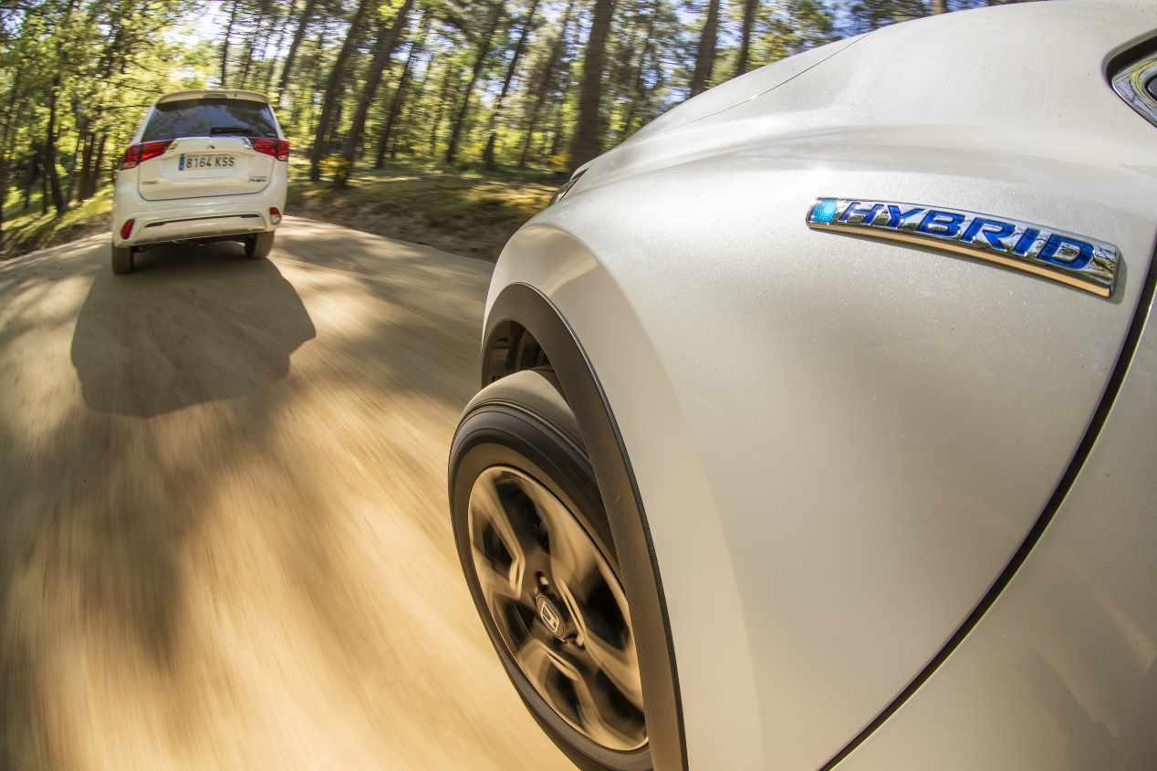 Comparativa: Honda CR-V I-MMD 4X4 vs Mitsubishi Outlander PHEV