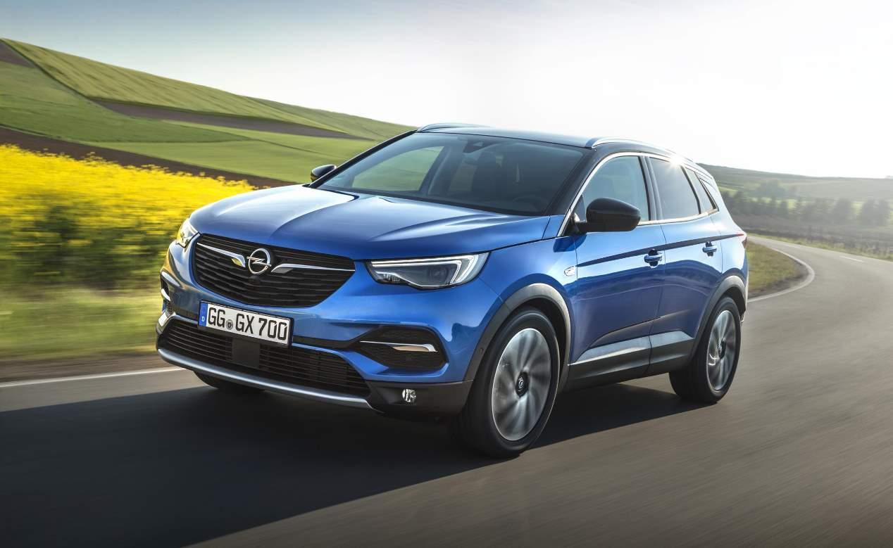Opel Grandland X: el SUV alemán, ya disponible con la versión Hybrid4