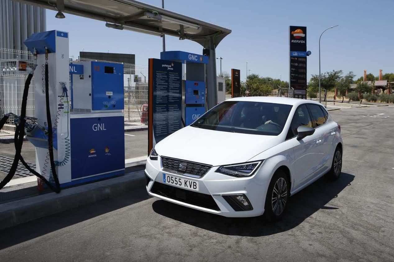 Seat da una vuelta a España con sus coches de gas natural