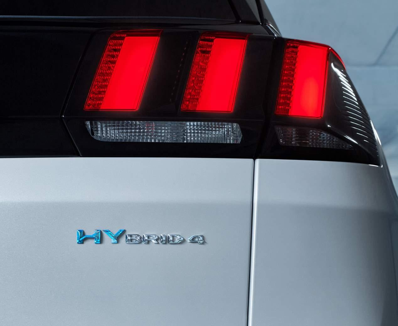 Los nuevos Peugeot híbridos enchufables, ya a la venta en España