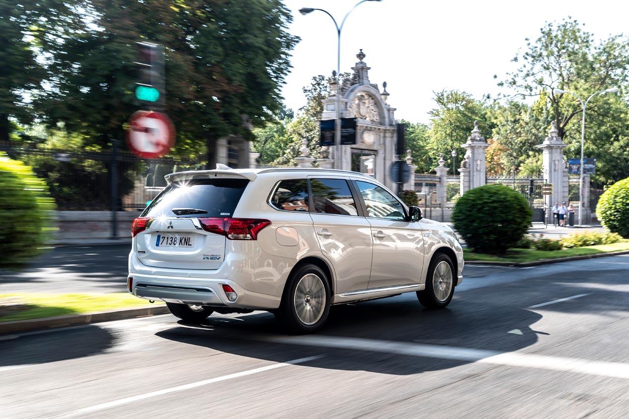 Mitsubishi Outlander PHEV, el SUV híbrido enchufable líder