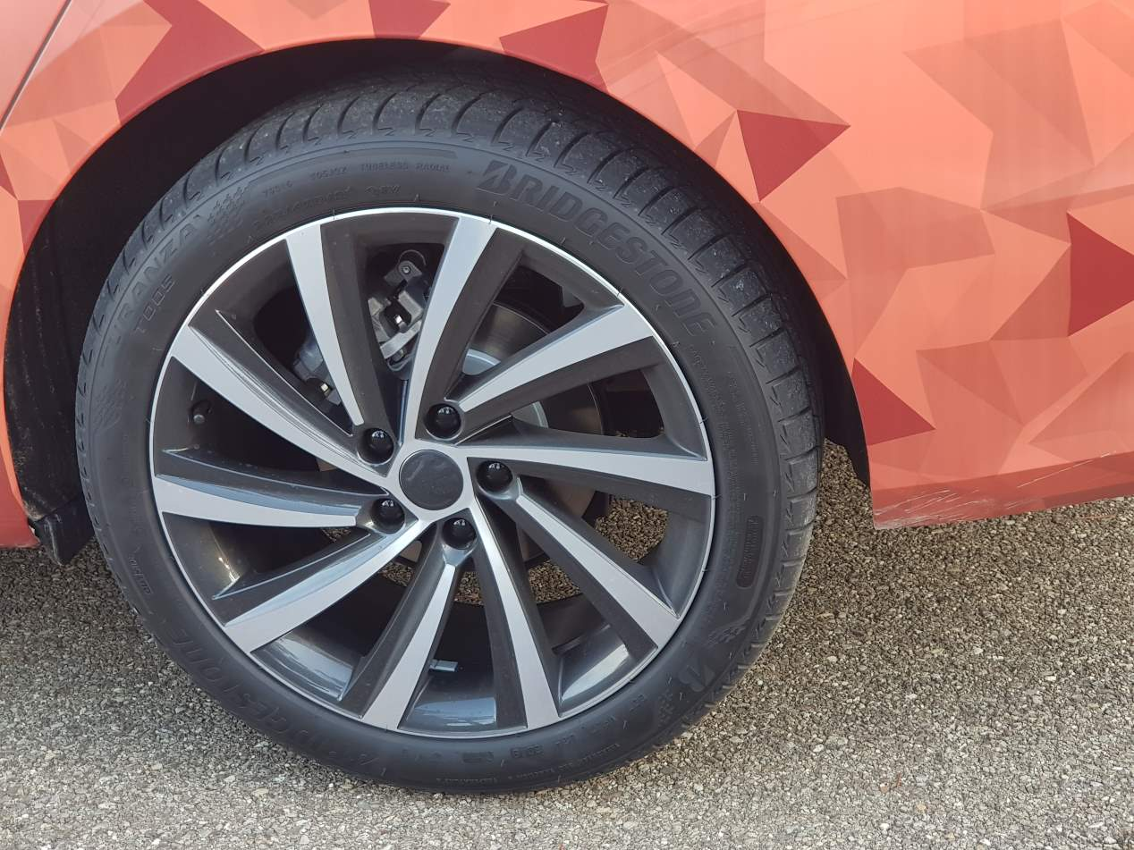 Skoda Octavia 2020: la nueva berlina toma forma