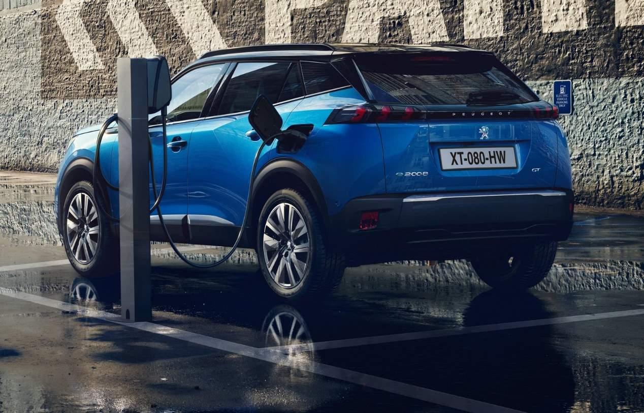 Duelo SUV: nuevos Ford Puma y Peugeot 2008 2020