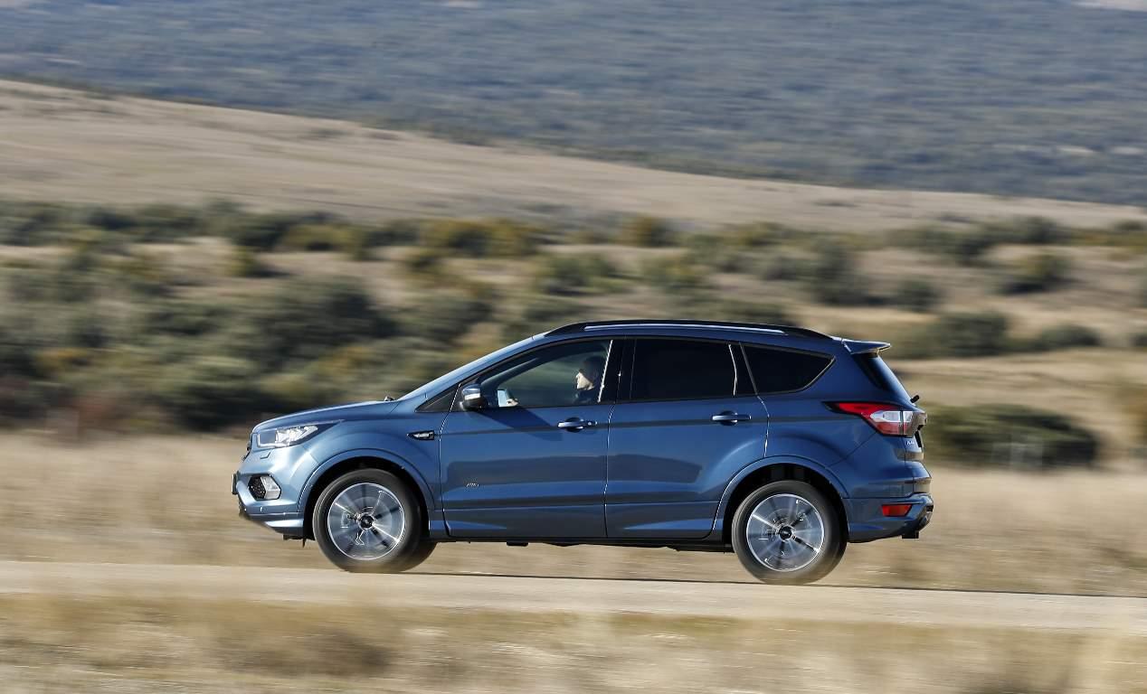 Seat León en oferta por 14.600 euros y Ford Kuga por 18.350 euros