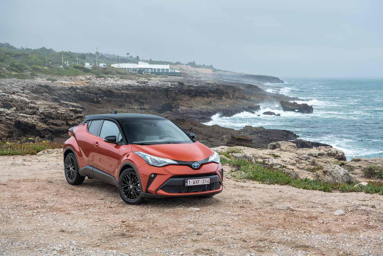 Toyota C-HR. Una nueva propuesta mecánica, mejor conectividad y más agrado de uso ilustran al renovado SUV híbrido de Toyota