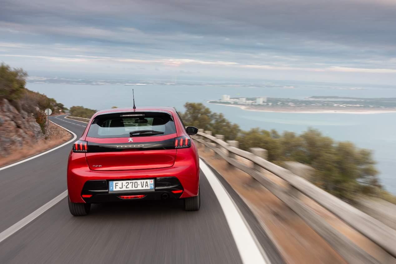 Peugeot 208, viaje a otra dimensión