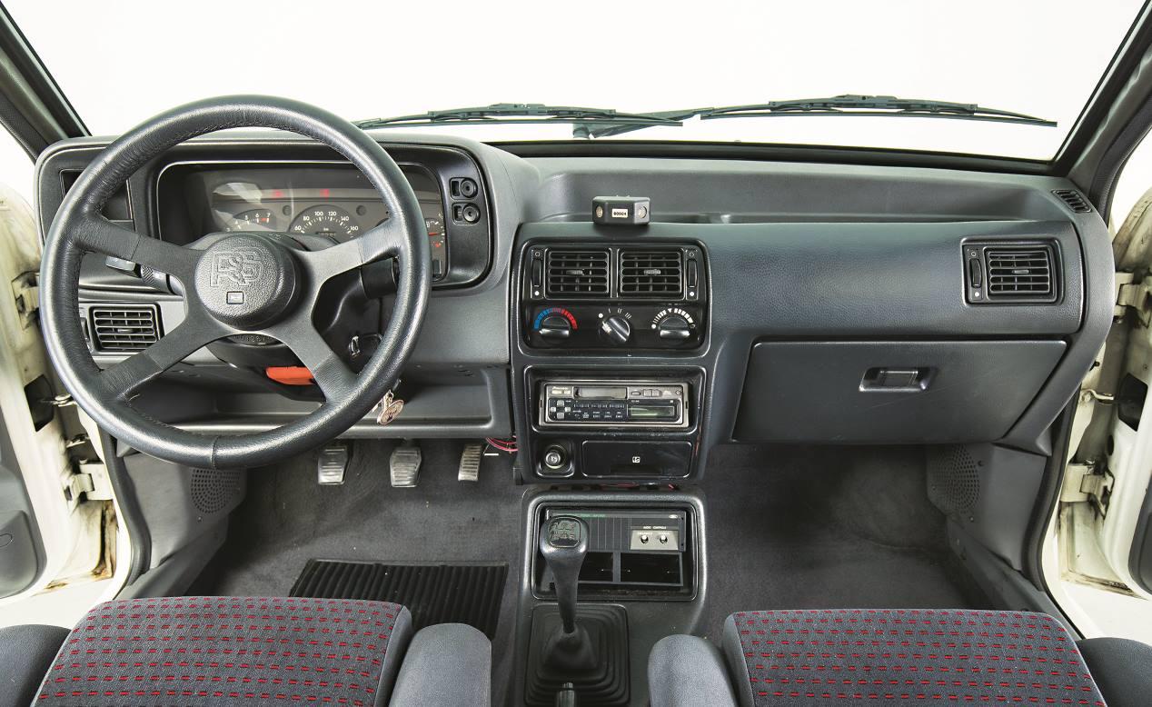 ford-escort-rs-turbo-un-coche-deportivo-mitico-en-los-80