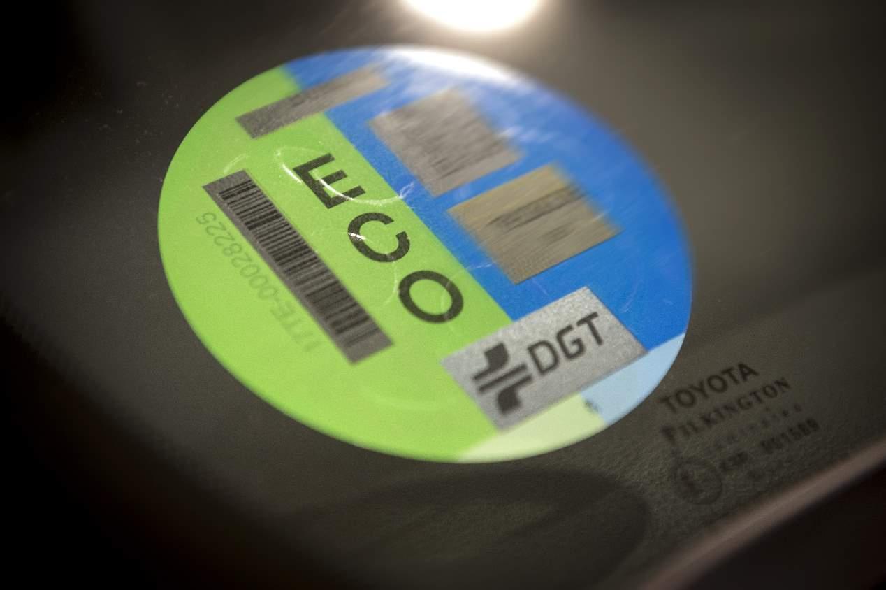 ¿ECO? Las incoherencias de la DGT repartiendo etiquetas