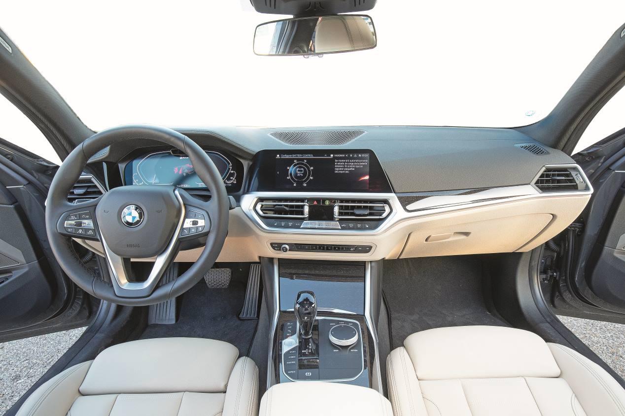Comparativa: BMW 330e vs VW Passat GTE