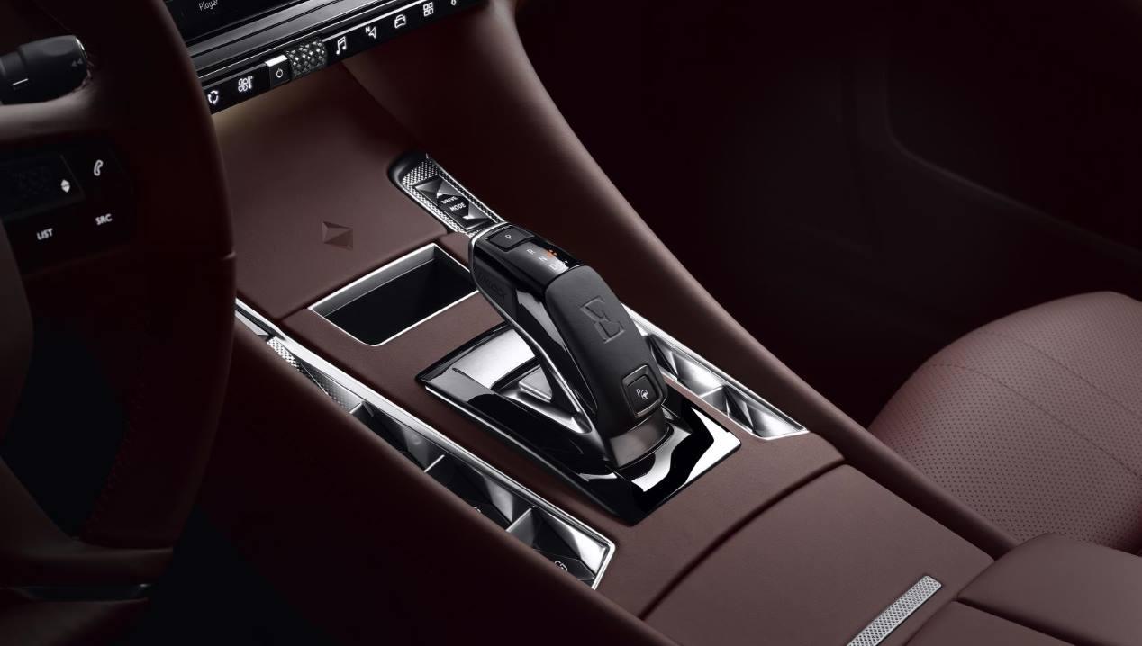 DS 9: la nueva berlina de lujo, en imágenes
