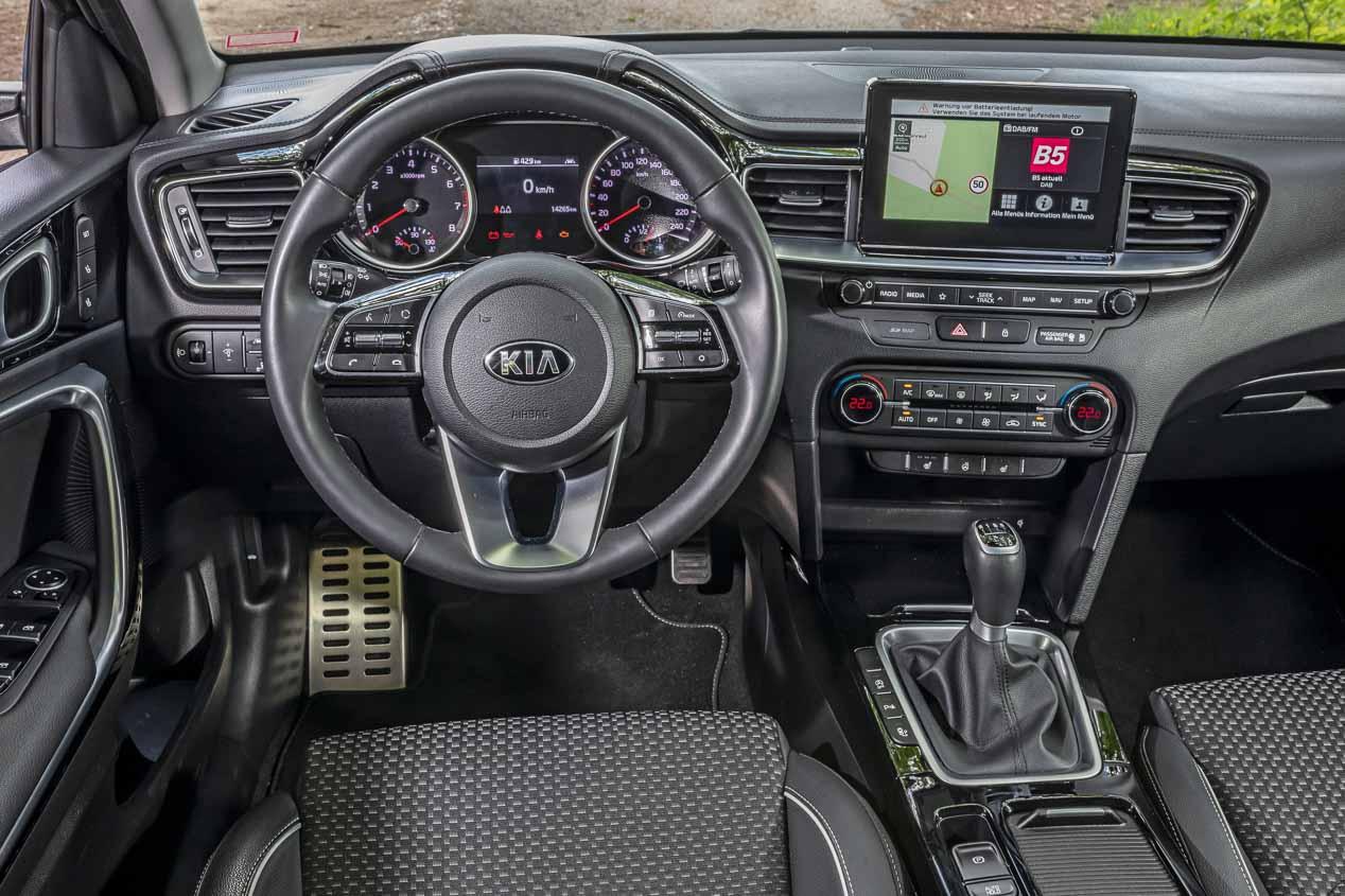 Kia Ceed, Renault Mégane y Skoda Scala: buscamos el mejor compacto de gasolina.