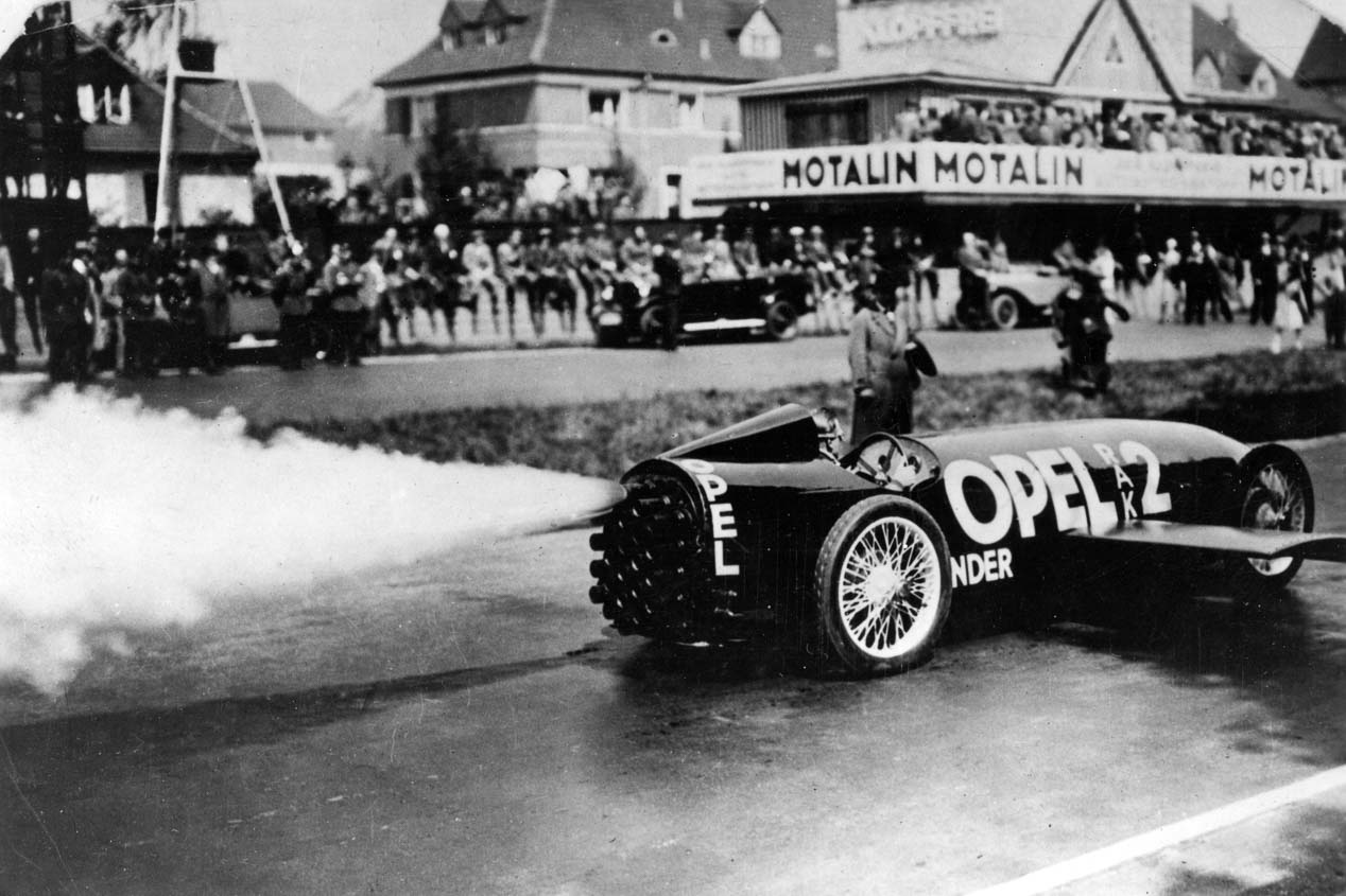 Opel repasa sus 120 años de historia a través de sus hitos tecnológicos